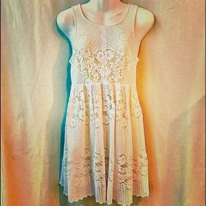 Free People White Lace Dress w Keyhole Back, Small